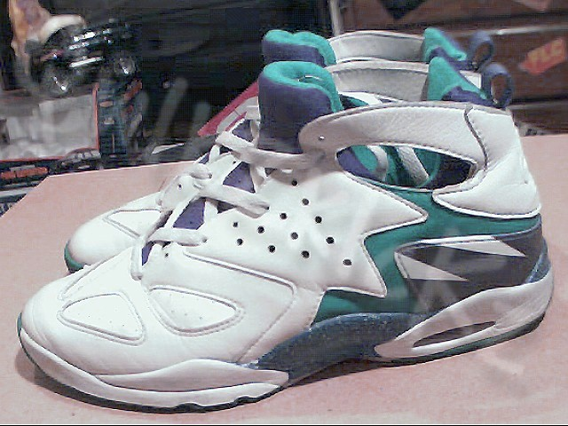 1992 NIKE AIR HUARACHE TECH CHALLENGE